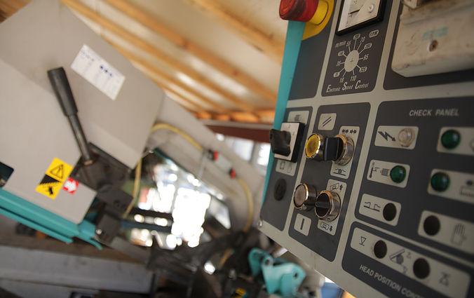 Une machine à débiter automatique